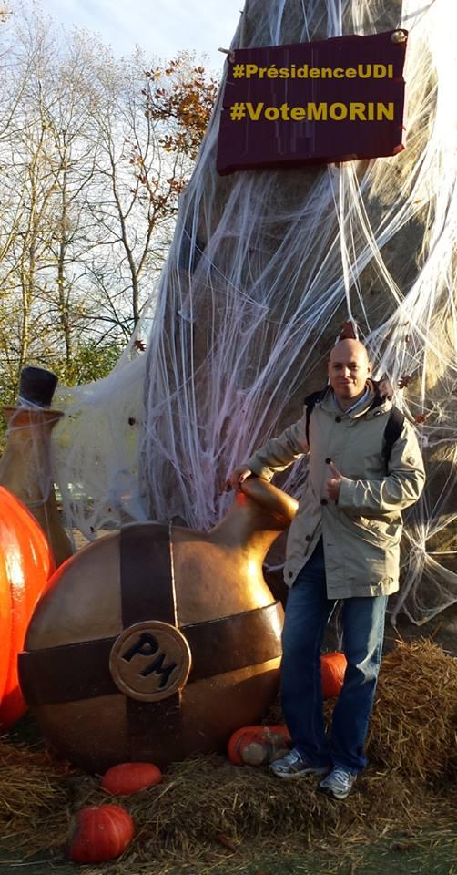 Au Parc Astérix, Je Vote Morin - image Asterix on http://www.billelouadah.fr